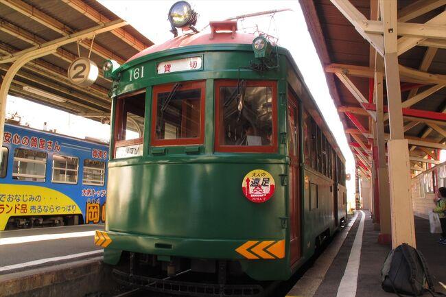 大阪唯一の路面電車「阪堺電気鉄道」<br />昔の大阪の雰囲気の一端を現代に伝えつつ、毎日元気にガタガタと走っています。<br /><br />かつてpuricはこの沿線に住んでおり、そのうちゆっくり沿線の風景を見たり、住吉公園や浜寺公園まで行ってみようと思いつつ、いつでも乗れると思うとなかなか実現しないままに、引っ越してしまいました。<br /><br />いったん遠のいてしまうとなかなか同じ大阪市内の電車に乗るためにわざわざ休日を使う気にもなれず、乗りたいと思いつつもなかなか機会が無いままでしたが、この度思いがけぬきっかけにより、貸切という最高のかたちでそれが実現しました。<br /><br />ちなみに駅名は全部○○駅と書いてますが、停留場の場合も含みますので置き換えて読んでくださいネ。