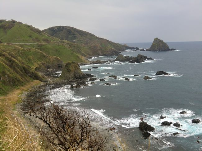 新潟県には、有名な佐渡島の他に人口370人程度の粟島(あわしま)があります。<br /><br />まだ島開き(5月2日)していない、観光客のいない粟島です。<br />