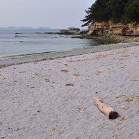 佐久島の「紫の砂浜と秘密基地」を訪ねて(愛知)