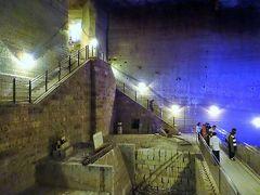 宇都宮「みんみん」で餃子を食べて、大谷石地下採掘場跡へ