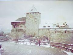 セピア色の思い出:リヒテンシュタイン・雪景色のファドゥーツ城