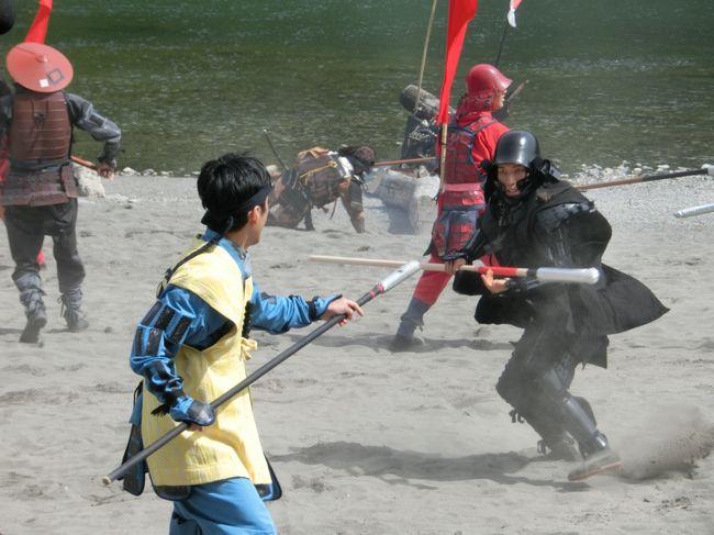 埼玉最高の祭りはこれとさきたま火祭り。<br /><br />今年は正面から観戦