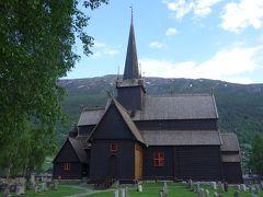 オスロからガイランゲルまでドライブ。(1)リレハンメルを抜け,ひたすら走る。スターヴ教会でひとやすみ