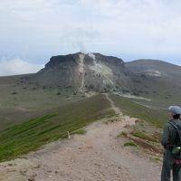 溶岩ドームとお花畑の樽前山に登る