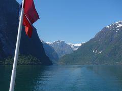 GudvangenからFlomまで観光船に乗る。ソグネフィヨルド観光のハイライトです。
