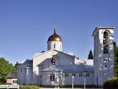 修道院に泊まる