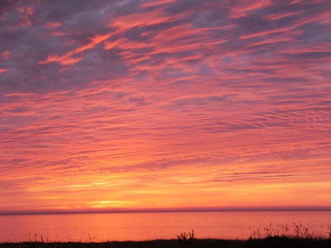 人生初の佐渡島。<br />とてもキレイな夕陽が迎えてくれました。<br />ちょっと、感動しちゃいました。