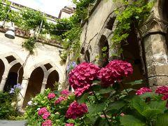 夏の優雅な南イタリア周遊旅行♪ Vol18(第2日) ☆Sorrento:ソレントの「タッソ広場」からの渓谷♪「Chiesa di San Francesco」の美しいキオストロ♪