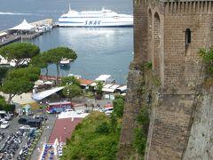 夏の優雅な南イタリア周遊旅行♪ Vol19(第2日) ☆Sorrento:ソレントを代表する広場「Villa Comunale」からの美しい眺望♪旧市街を優雅に歩く♪