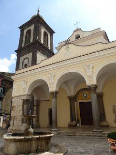 夏の優雅な南イタリア周遊旅行♪ Vol26(第3日) ☆Sant'Agata dei Goti:サンタガータ大聖堂(Duomo)を鑑賞♪旧市街を優雅にさまよい歩く♪