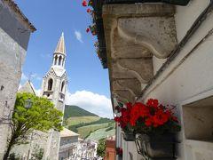 夏の優雅な南イタリア周遊旅行♪ Vol50(第4日) ☆Alberona:美しき村「アルベローナ」♪咲き乱れる花々と教会を眺めて♪