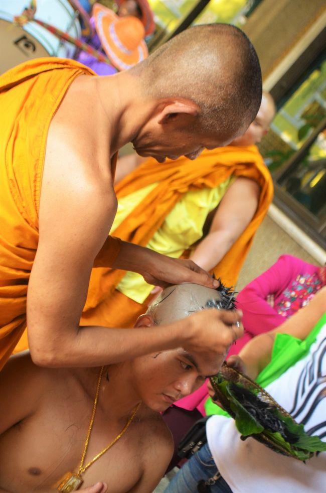 タイ実家訪問とミャンマーの旅 Part 3 - 従兄、仏門に入るの巻