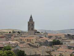 夏の優雅な南イタリア周遊旅行♪ Vol94(第6日) ☆Melfi:美しき村「メルフィ」 メルフィ城から旧市街へ歩く♪バールで美味しいスフォリテッラを頂く♪