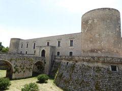 夏の優雅な南イタリア周遊旅行♪ Vol97(第6日) ☆Venosa:美しき村「ヴェノーサ」 美しいヴェノーサ城を眺めながらランチ♪