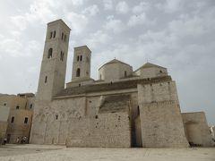 夏の優雅な南イタリア周遊旅行♪ Vol106(第7日) ☆Molfetta:モルフェッタの漁港を歩いて大聖堂へ優雅に歩く♪