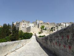 夏の優雅な南イタリア周遊旅行♪ Vol141(第8日) ☆Gravina in Puglia:グラヴィーナ・イン・プーリア旧市街へ中世時代の橋を渡る♪