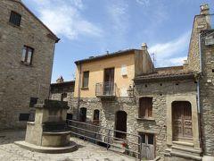 夏の優雅な南イタリア周遊旅行♪ Vol155(第9日) ☆Guardia Perticara:美しき村「グアルディア・ペルティカーラ」小さな大聖堂♪