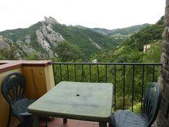 夏の優雅な南イタリア周遊旅行♪ Vol164(第9日) ☆Castelmezzano:カステルメッツァーノのホテル「La Locanda di Castromediano」から素晴らしいパノラマ♪