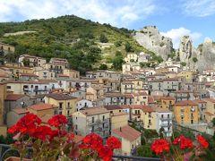 夏の優雅な南イタリア周遊旅行♪ Vol171(第9日) ☆Castelmezzano:美しき村「カステルメッツァーノ」 広場からのパノラマと小さな大聖堂♪