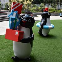 Suicaペンギン広場とタイムZOOスクエア(新宿)