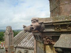 メルローズ修道院Melrose Abbeyでメンデルスゾーンがスケッチしたガーゴイルの背景を撮る