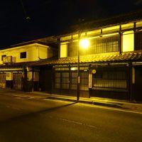 ライトアップされた蔵のある町並みをほろ酔い散歩、朝はサービスエリアを巡りグルメを楽しむ!!/福島・会津若松