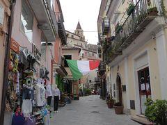 夏の優雅な南イタリア周遊旅行♪ Vol205(第11日) ☆Maratea:マラテーア旧市街のメインストリートは華やかな雰囲気♪