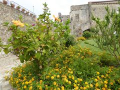 夏の優雅な南イタリア周遊旅行♪ Vol249(第13日) ☆Agropoli:美しいアグロポリ城「Castello di Angioino-Aragonese」 花と古城の競演を眺めて♪