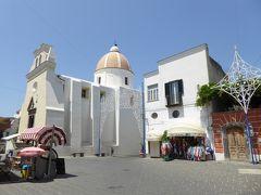 夏の優雅な南イタリア周遊旅行♪ Vol307(第16日) ☆Isola d'Ischia/Forio:夏のフォリオ 岬の教会からメインストリートを優雅に歩いて♪