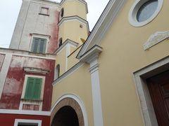 夏の優雅な南イタリア周遊旅行♪ Vol325(第17日) ☆Isola d'Ischia/Serrara:セッラーラの教会「Chiesa di Santa Maria del Carmine」を眺めて♪