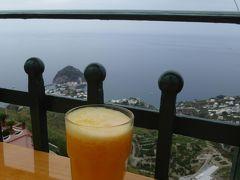 夏の優雅な南イタリア周遊旅行♪ Vol326(第17日) ☆Isola d'Ischia/Serrara:セッラーラのカフェで搾りたてのオレンジ/レモンミックスジュースを頂く♪