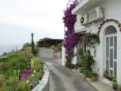 夏の優雅な南イタリア周遊旅行♪ Vol328(第17日) ☆Isola d'Ischia/Serrara→S.Angelo:サンタンジェロへ海の見える風景を眺めて♪