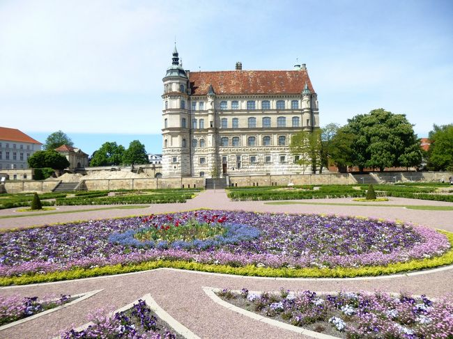 ドイツの春・北方二州を巡る:14エルンスト・バルラハの町ギュストロー訪問