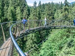 揺れる~ 吊り橋 キャピラノ渓谷 森林浴を 満喫~