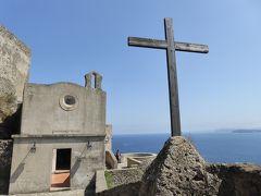 夏の優雅な南イタリア周遊旅行♪ Vol378(第20日) ☆Isola d'Ischia/Ischia Ponte:アラゴン城を優雅に鑑賞♪お城や小さなチャペルを眺めて♪