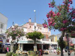 夏の優雅な南イタリア周遊旅行♪ Vol389(第20日) ☆Isola d'Ischia/Porto:ポルト港へメインストリート「ローマ通り」を歩く♪