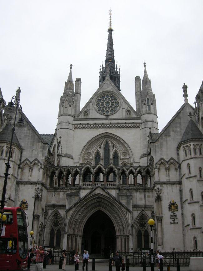 ロンドン再訪 たてもの見物旅行 その3 王立裁判所〜テンプル教会〜サージョンソンズミュージアム