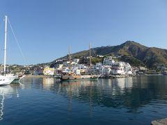夏の優雅な南イタリア周遊旅行♪ Vol398(第21日) ☆Isola d'Ischia/S.Angelo:朝のサンタンジェロの漁港を眺めて♪