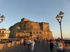 夏の優雅な南イタリア周遊旅行♪ Vol430(第22日) ☆Napoli:サンタルチアの黄昏の卵城♪「La Scialuppa」の絶品パスタ♪