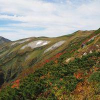 飯豊山 青空と紅葉前線を追いかけて<何と日本海までも見れました>♪ 川入から