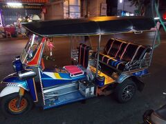 前代未○かも。2回目。。バンコク 随一の 日本人通りの 華やかな夜 ・ You Tube デュエット 90本  ・・・(新 20の16)