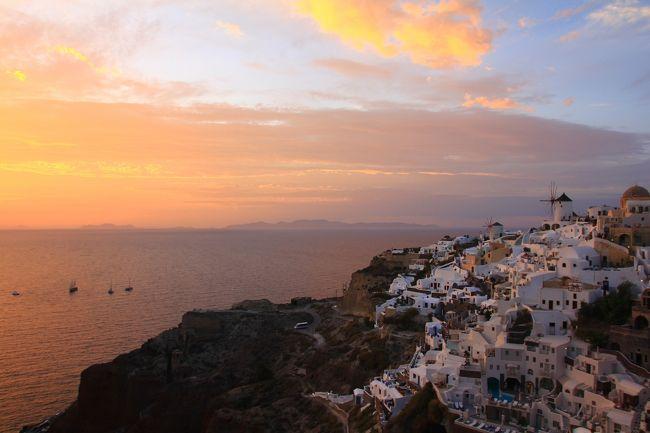 アテネからサントリーニ島へ 飛行機の遅れもなく、天候にも恵まれました。