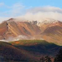 一番早い紅葉を見に北海道へ  2日目後半 朝日岳初冠雪の日 「美瑛の青」を探しに