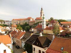 美しのドナウと中欧4カ国の旅 8日間 8 ( 旅行4日目 チェコで最も美しい街チェスキー・クルムロフ編 チェスキークルムロフ城ガイドツアーに参加した。 )