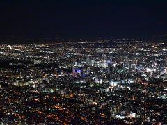 藻岩山から眺める札幌市内の素晴らしい夜景(札幌)