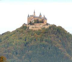 団塊夫婦のヨーロッパ紅葉を巡る旅2016:(4)「天空の城」ホーエンツォレルン城を見下ろす山へ