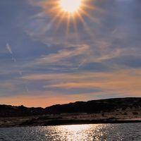 アメリカ西部21 パウエル湖から渓谷クルーズへ ☆渇水で湖面30m低下