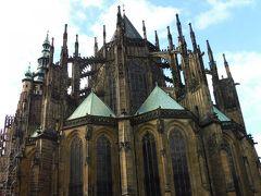 世界最古で最大のプラハ城と聖ヴィート大聖堂