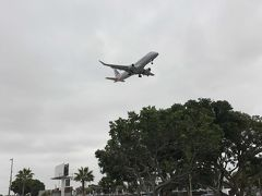 ロサンゼルス空港に次々着陸する飛行機を、至近距離で眺められる絶好のポイント