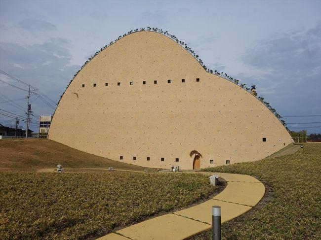 外観もさることながら、展示自体も見所が多いミュージアム。<br />多治見市笠原町は施釉磁器モザイクタイル発祥の地であり全国一の生産量を誇るとのこと。